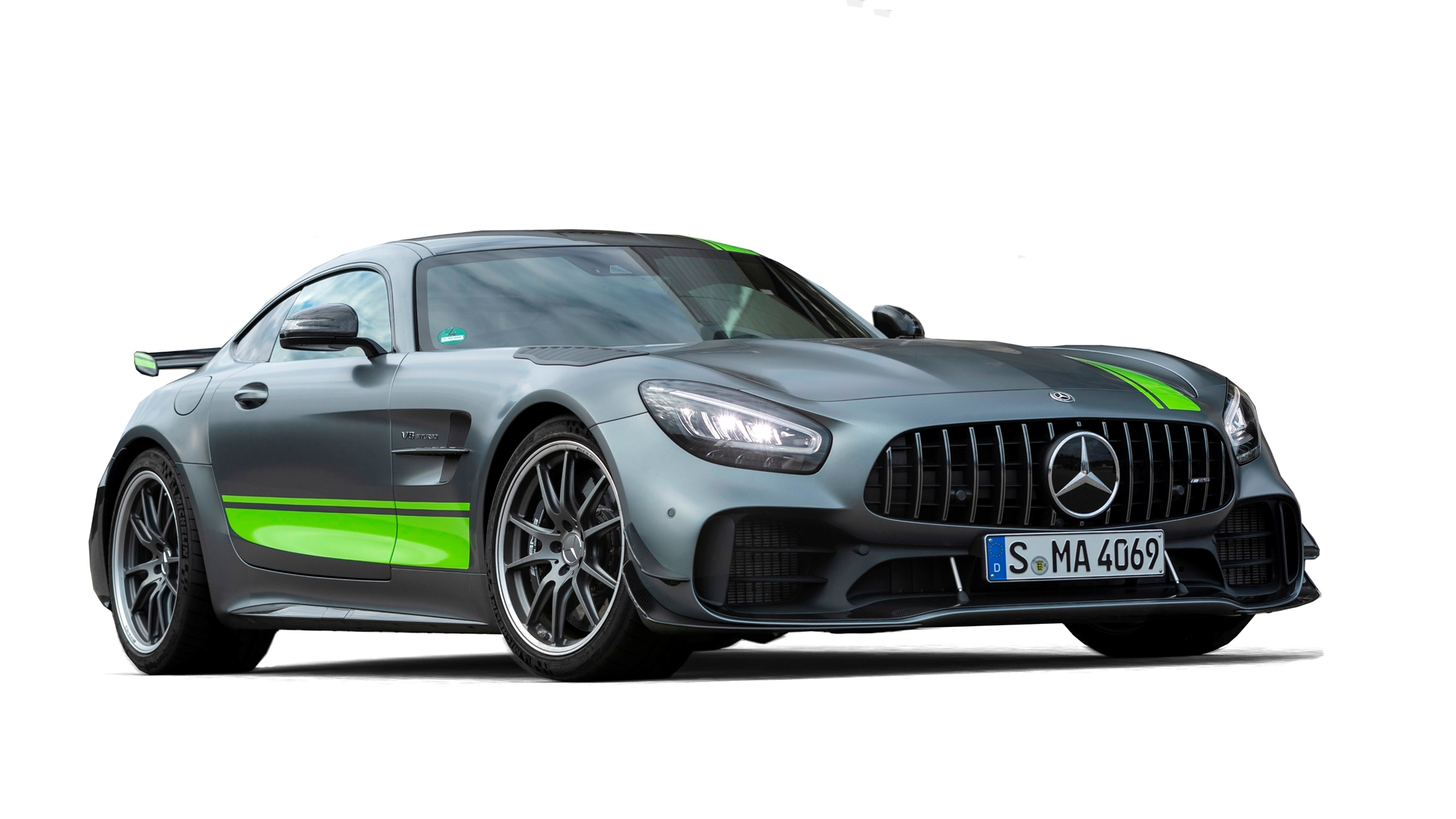 2020 mercedes benz amg gt r pro coupe features specs and price carbuzz. Black Bedroom Furniture Sets. Home Design Ideas