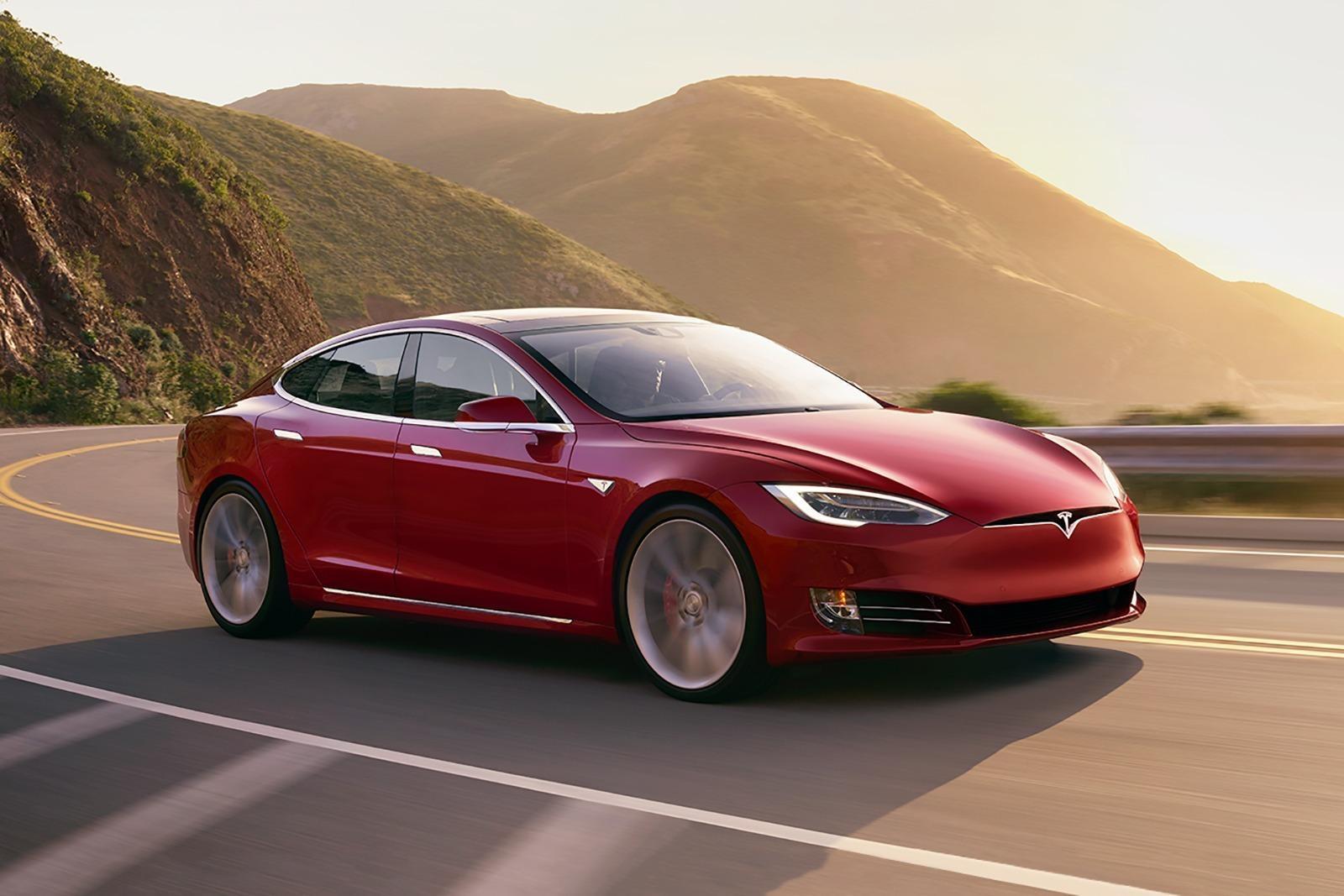 2018 Tesla Model S P100d Review Trims Specs And Price Carbuzz