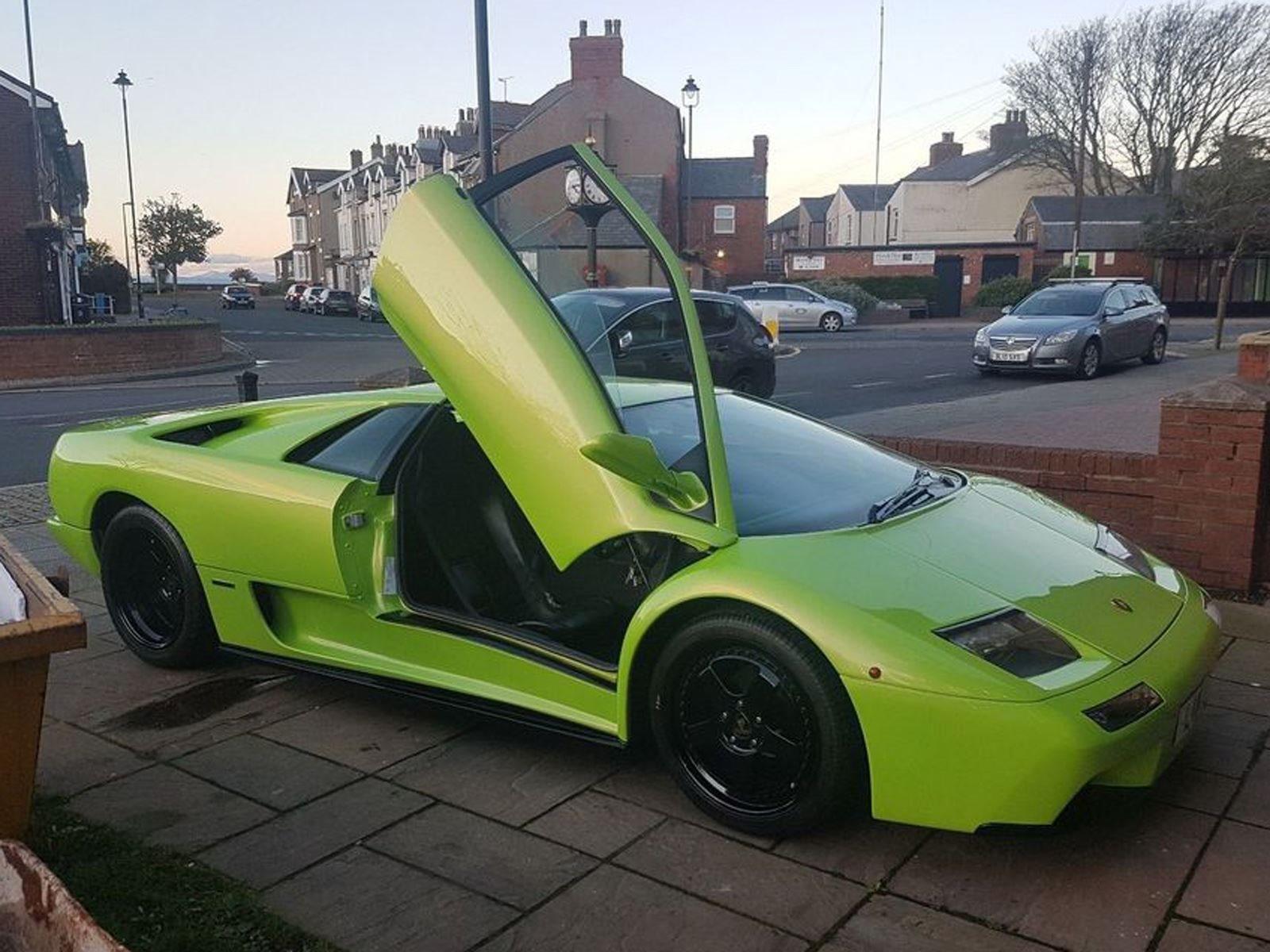 This Fake Lamborghini Diablo Doesn T Look Half Bad Carbuzz