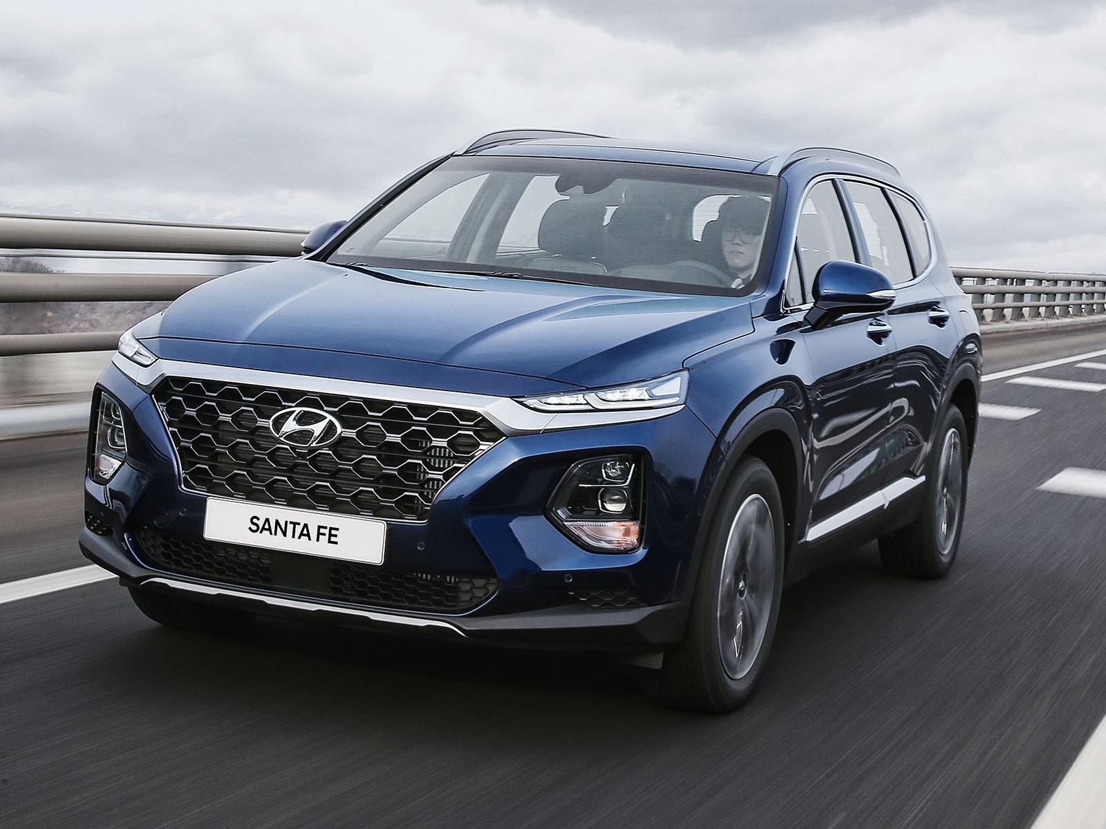 2019 Hyundai Santa Fe New Spy Shots And Redesign News >> All New 2019 Hyundai Santa Fe Revealed With A Bold New Look