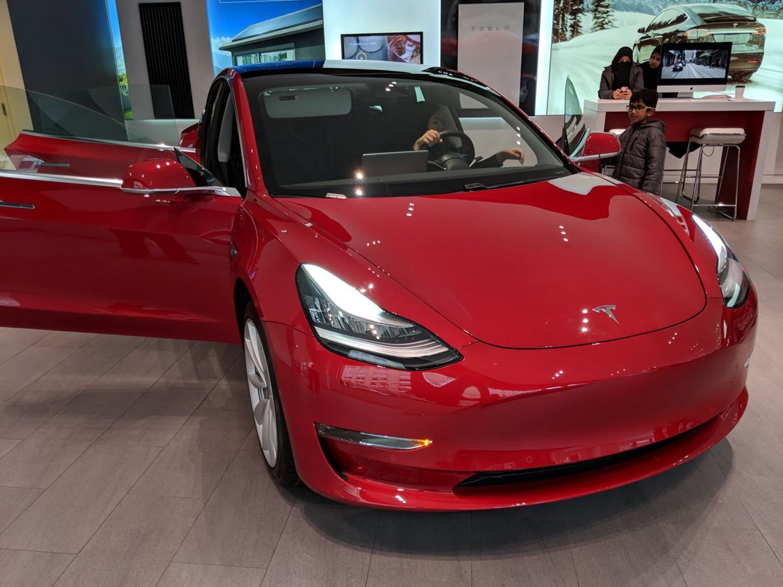 Check Out These Seriously Bad Tesla Model 3 Quality Control