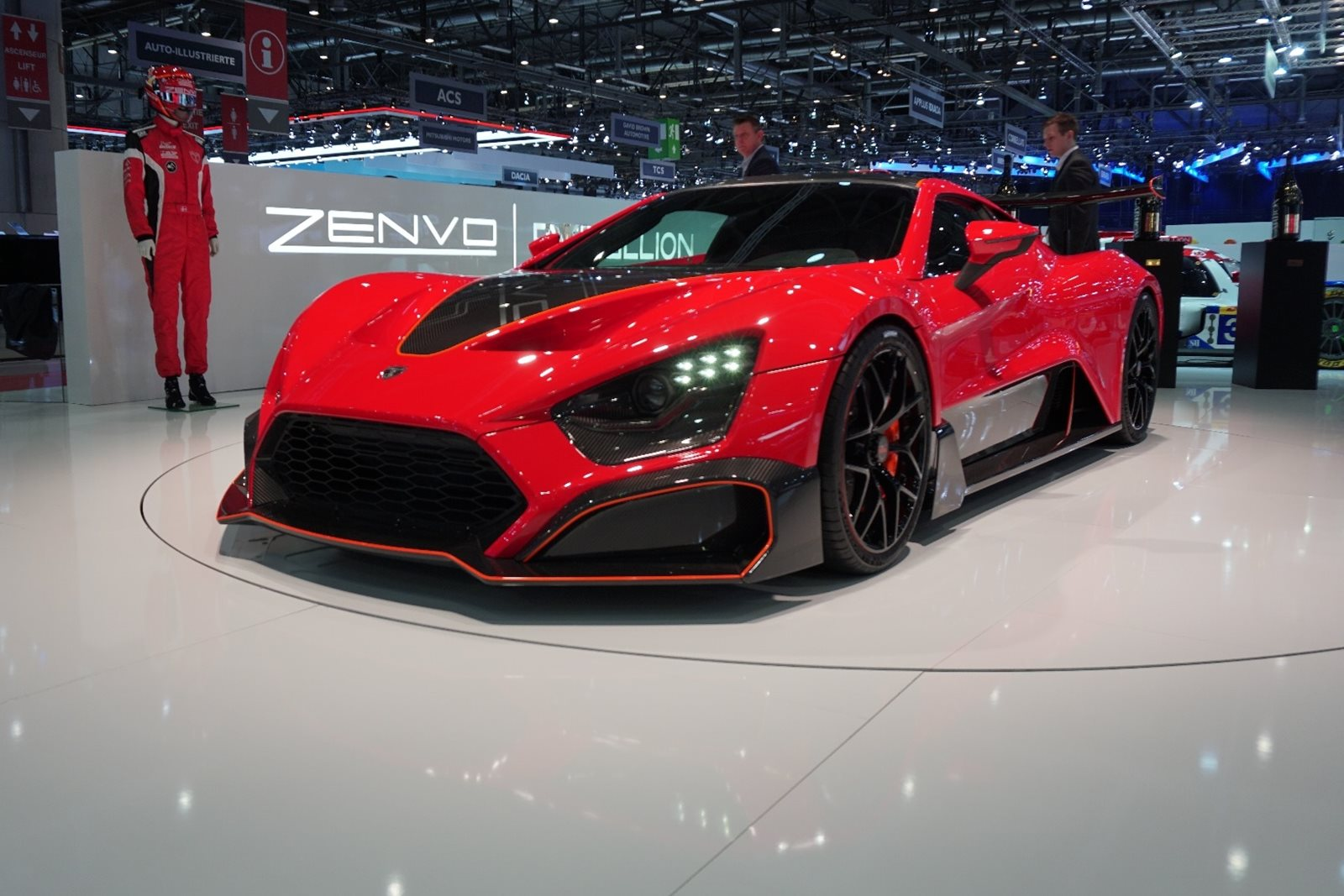 The Zenvo Tsr S Is A Road Legal Race Car With 1 177 Horsepower Carbuzz