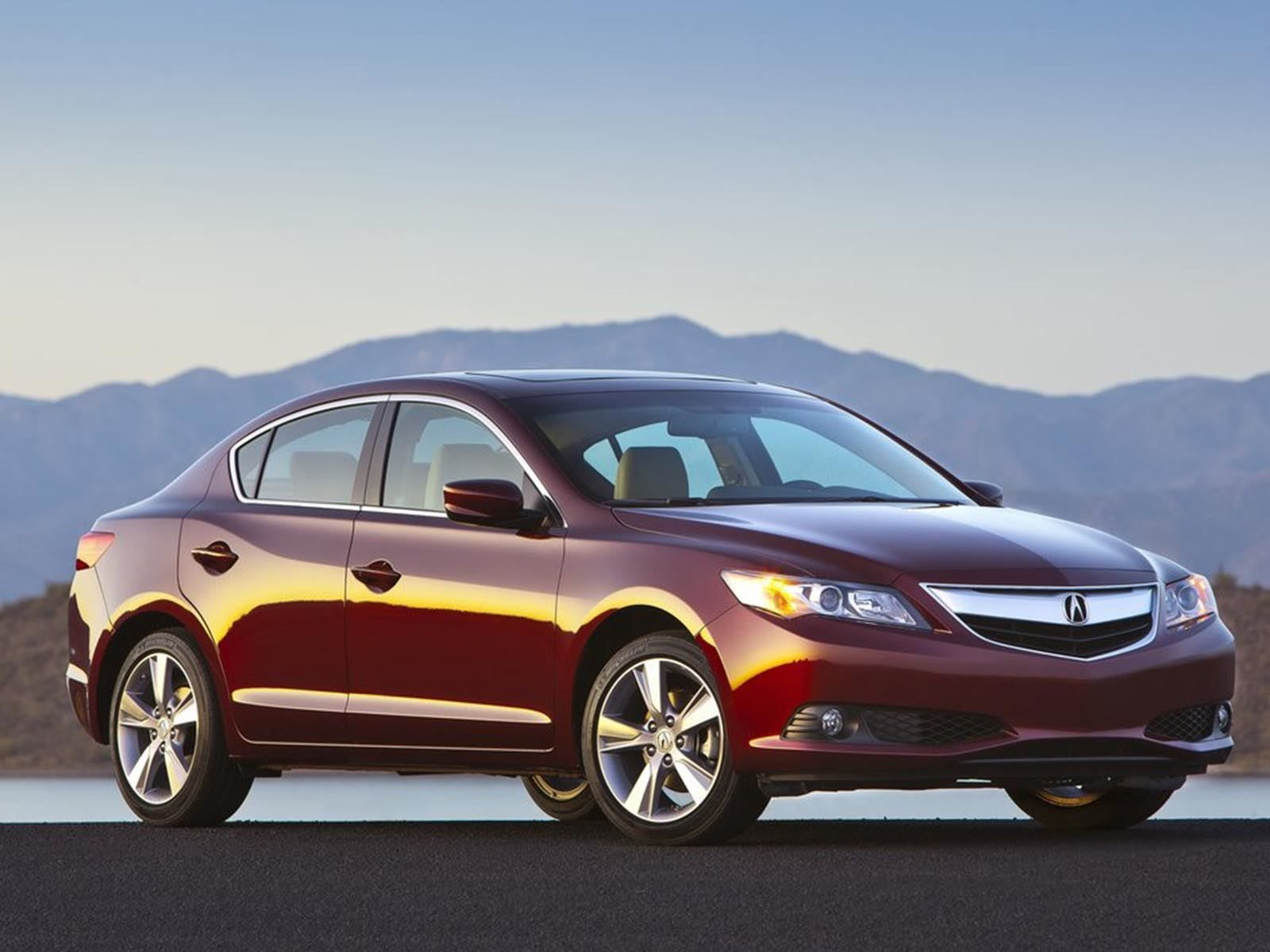 Here's Why You Should Consider The Acura ILX Over A Honda
