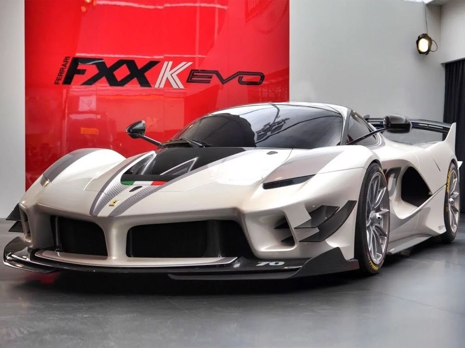 You Can Own The World S First Street Legal Ferrari Fxx K Evo Carbuzz
