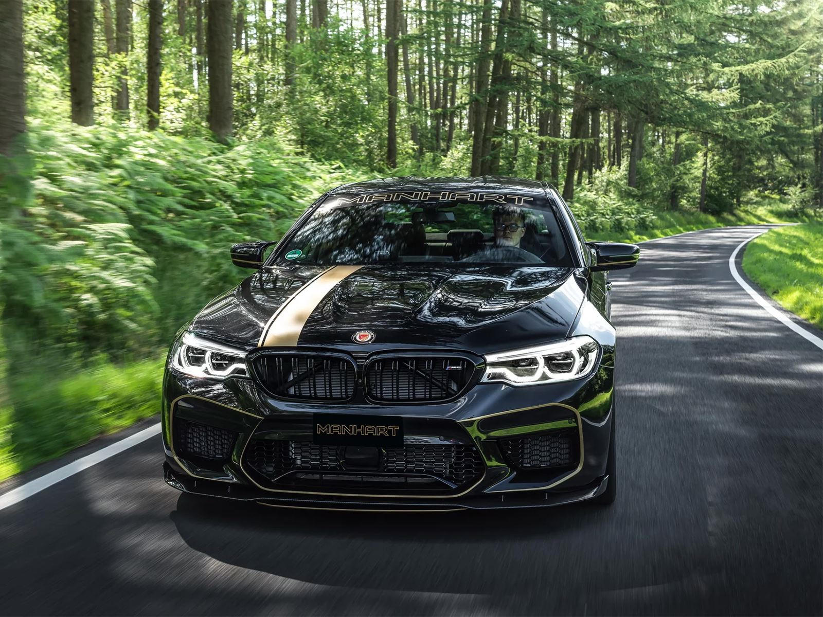 tuner transforms new bmw m5 into a 720 hp monster carbuzz. Black Bedroom Furniture Sets. Home Design Ideas