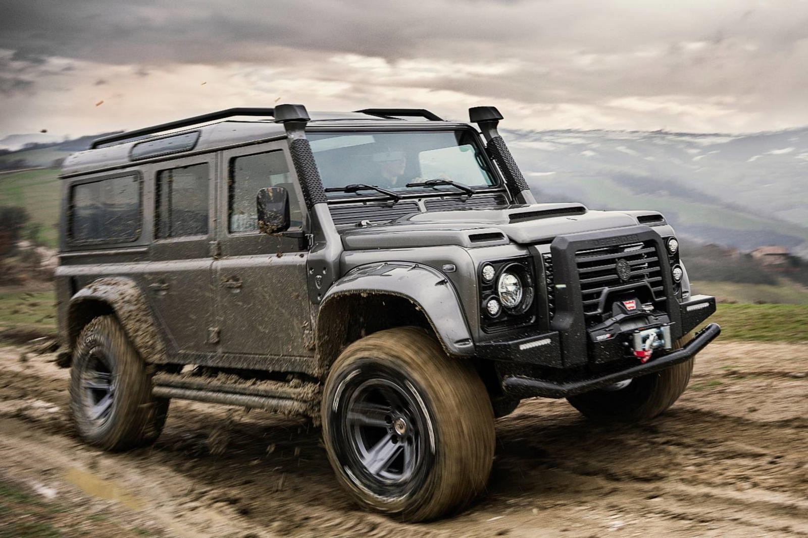 Italian Coachbuilder Creates The Ultimate Land Rover Defender Carbuzz