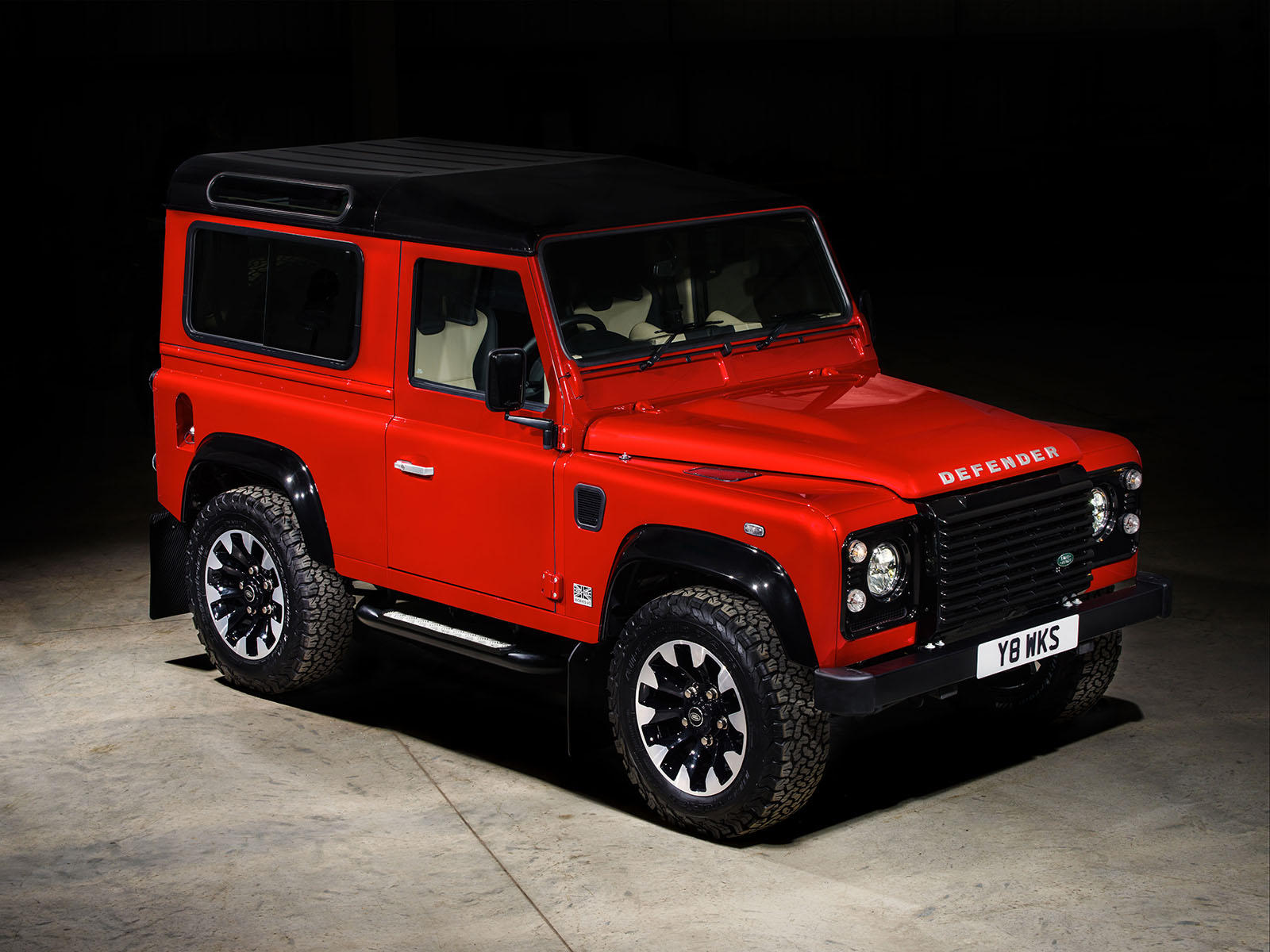 2020 Land Rover LR4 Rumors, Redesign, Release Date, Drivetrain >> Reborn Land Rover Defender To Spawn Large Luxury Suv Carbuzz