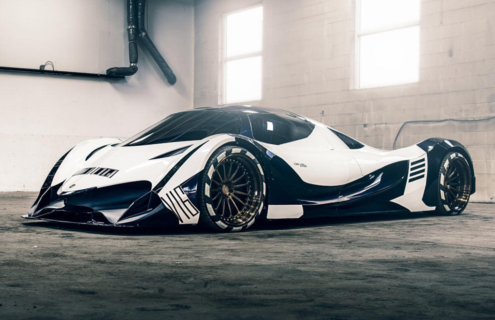 5 000 Hp Devel Sixteen Has A Two Year Wait List Carbuzz