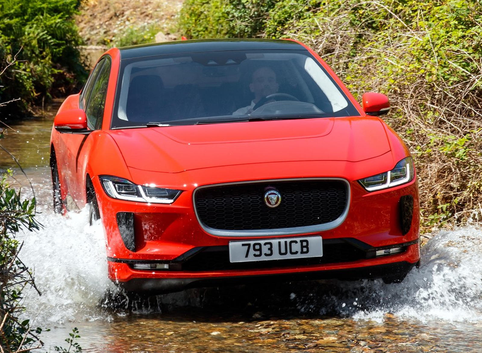 jaguar j pace won 39 t have a typical awd system carbuzz. Black Bedroom Furniture Sets. Home Design Ideas