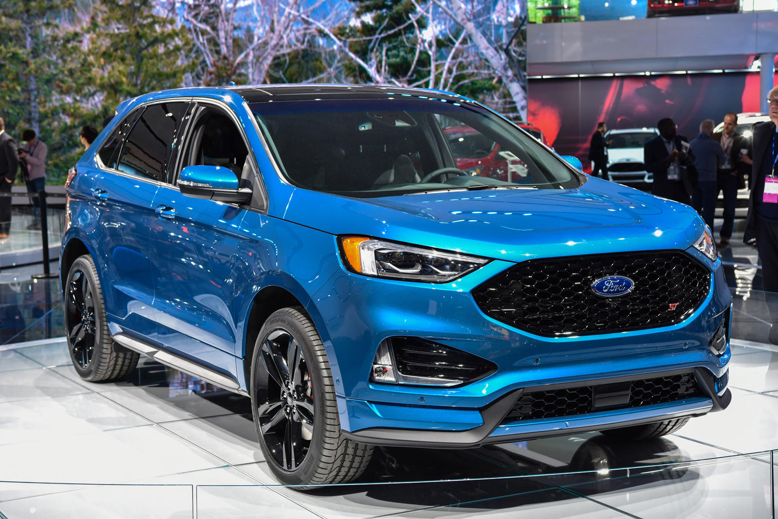 Now Is The Time To Buy A 335 Hp Ford Edge St Carbuzz