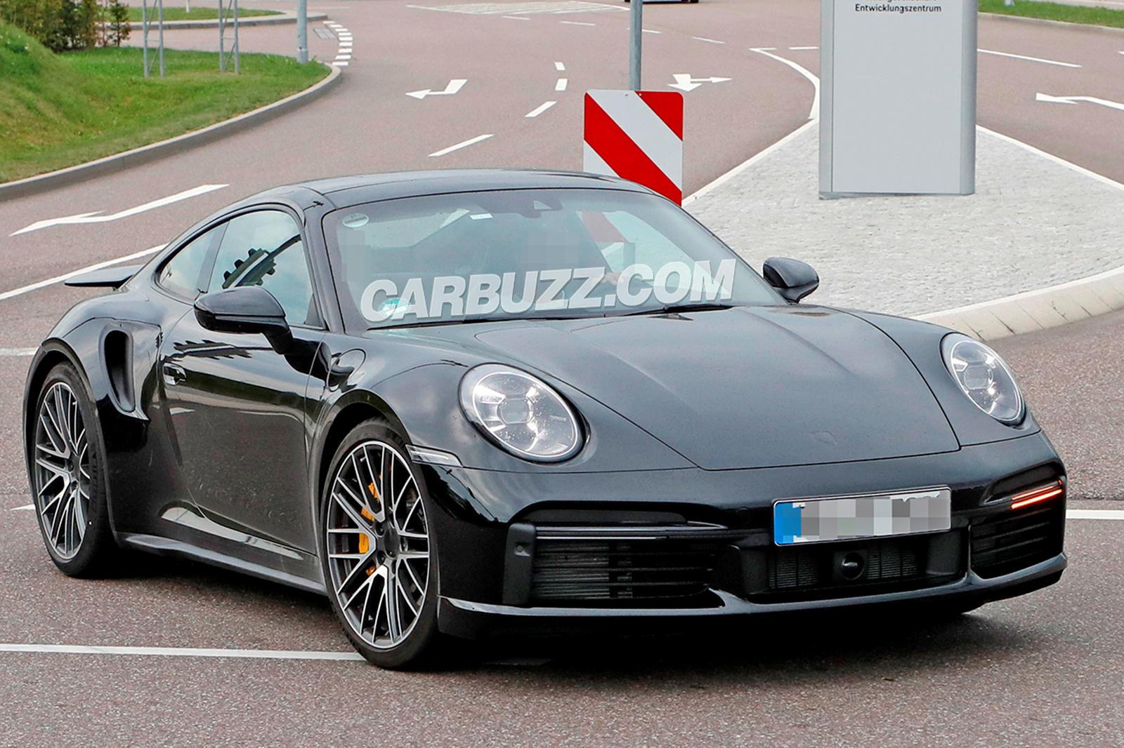 New Porsche 911 Turbo Caught Practically Naked