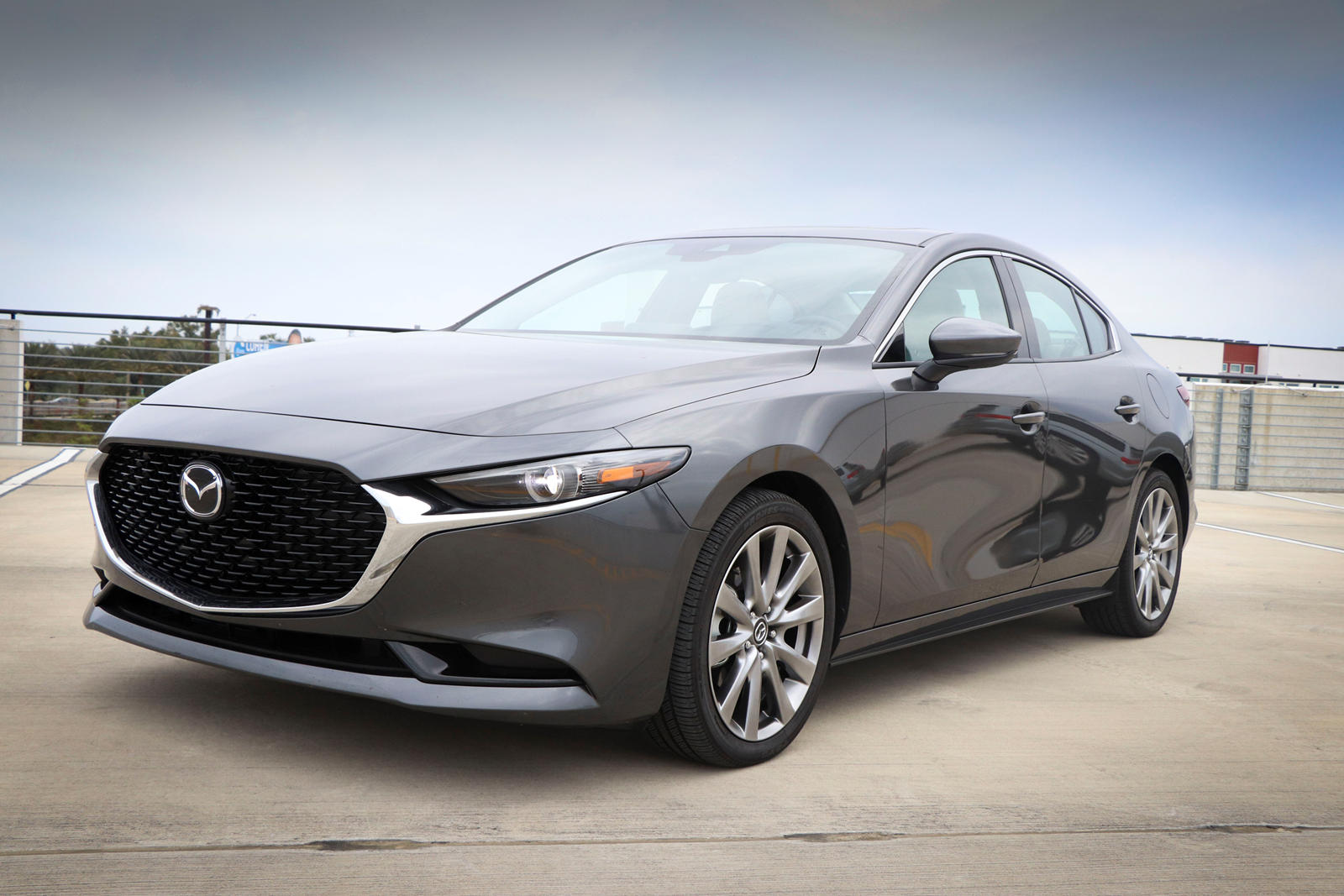 Kekurangan Mazda A3 Murah Berkualitas