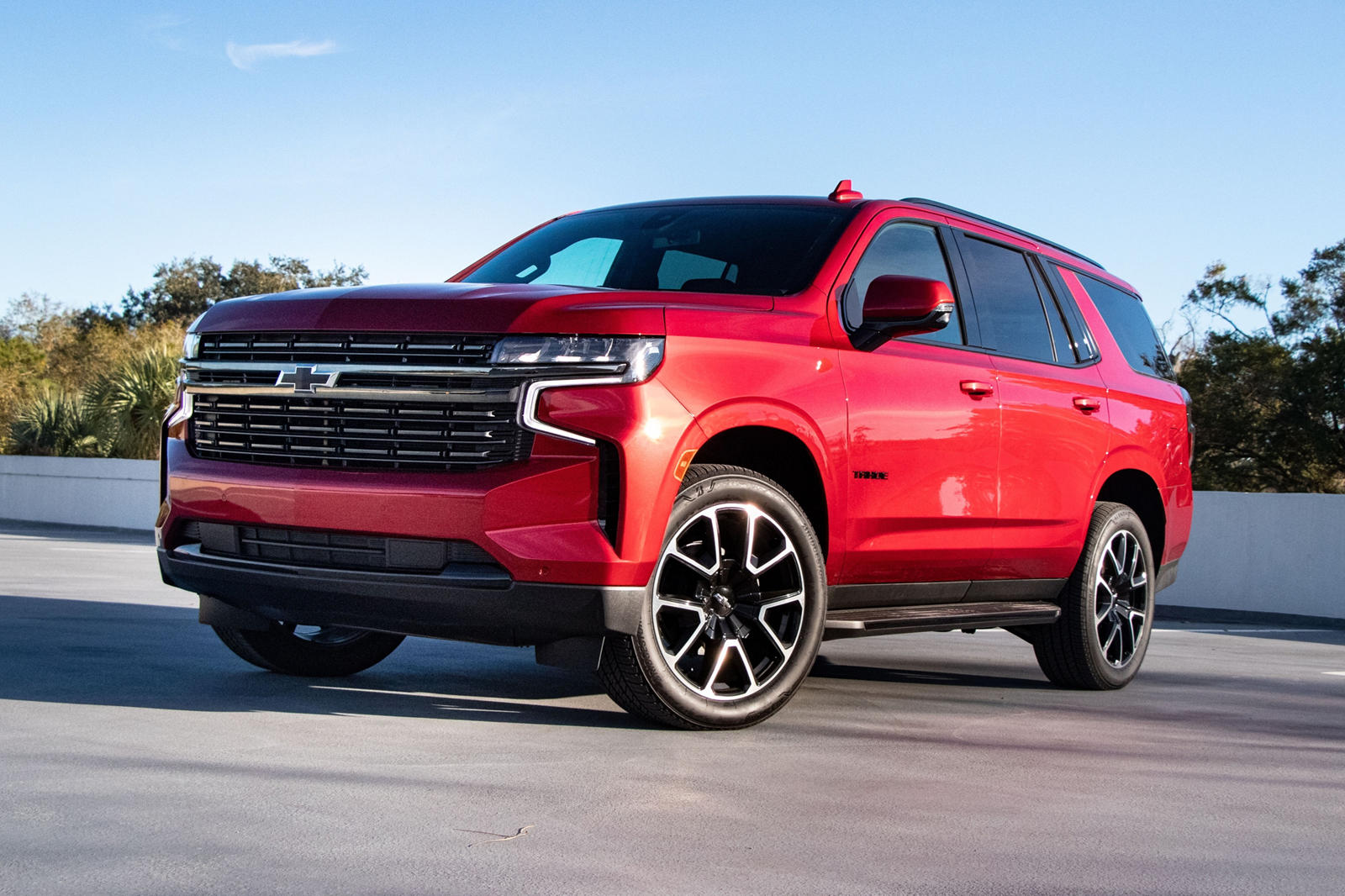 7 best features of the 2021 chevrolet tahoe | carbuzz