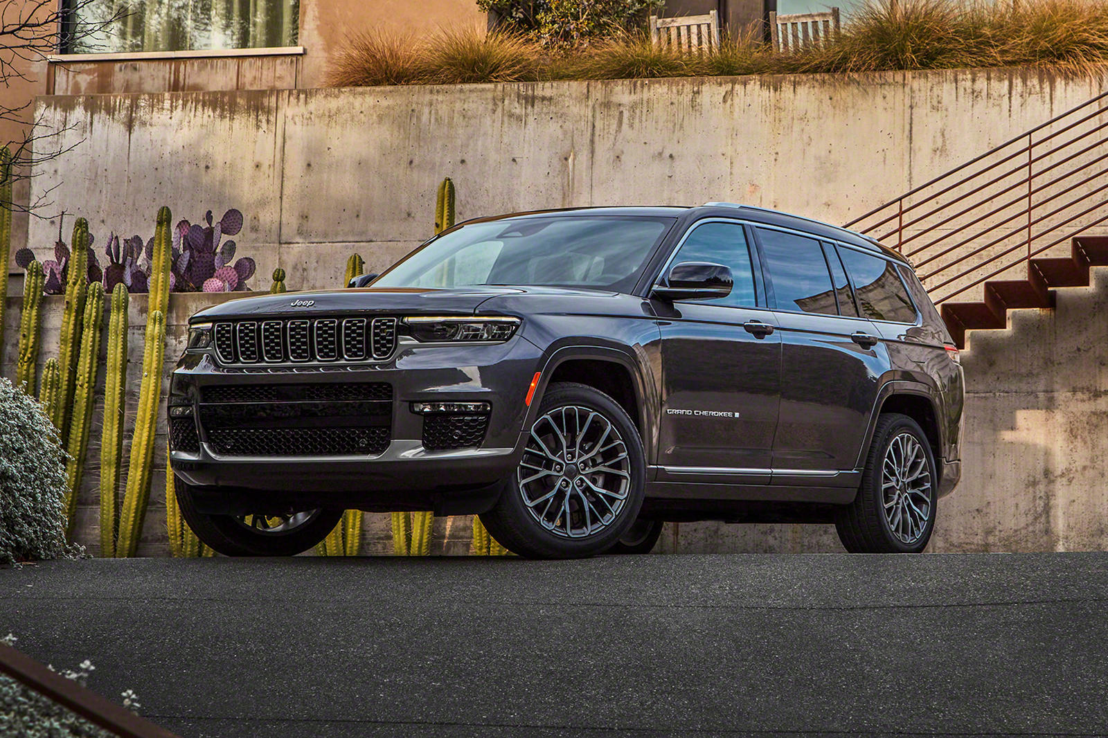 How Does The 2021 Jeep Grand Cherokee L Measure Up Carbuzz