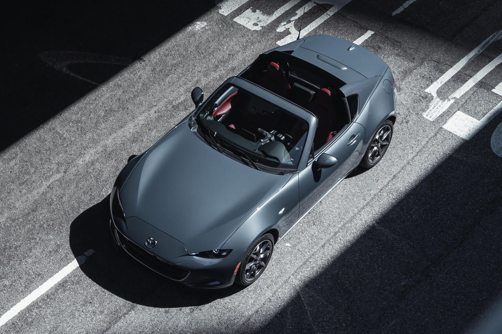 The 2021 Mazda Miata Is The Perfect Mix of Sensation and Speed