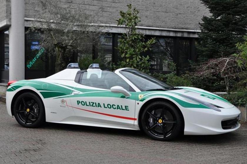 Italian Police Transform Mafia S Ferrari 458 Spider Into Cop Car