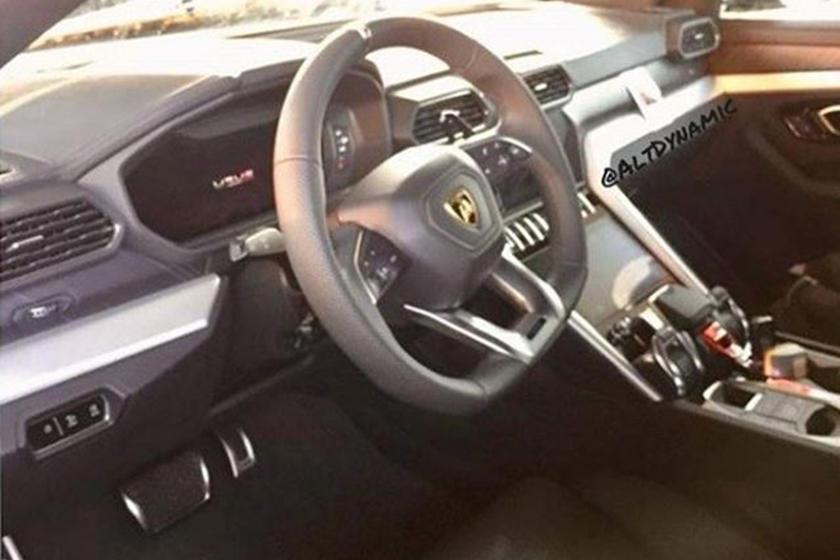 The Lamborghini Urus Has A Very Familiar Looking Interior Carbuzz