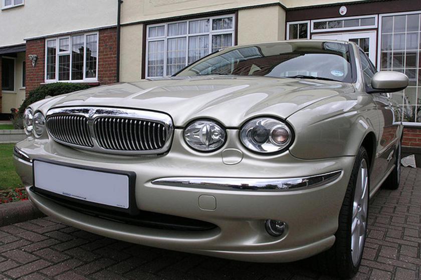 Biggest Automotive Missteps Jaguar X Type Carbuzz