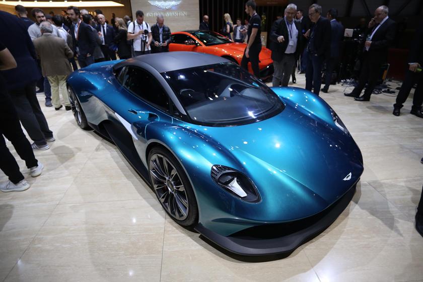 Aston Martin Vanquish Won T Be Like Any New Ferrari Or Lamborghini Carbuzz