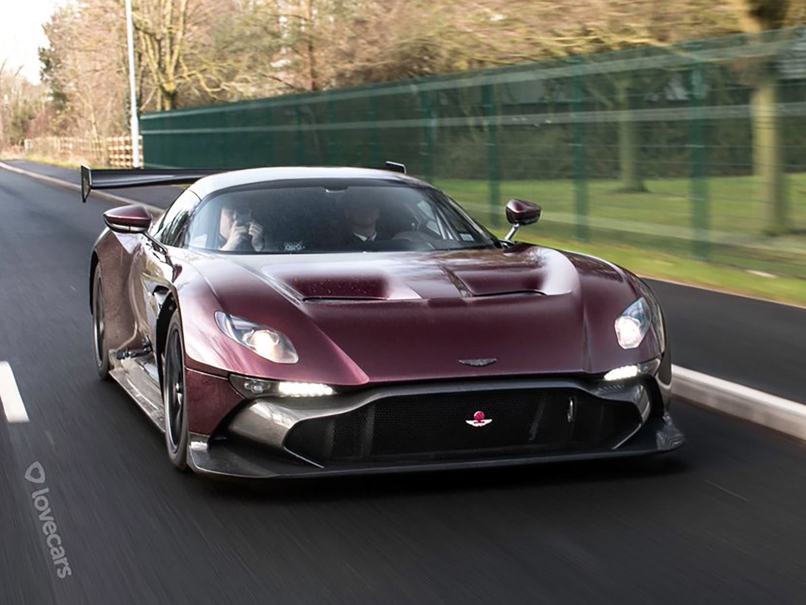 The World S First Street Legal Aston Martin Vulcan Is Finally Here Carbuzz