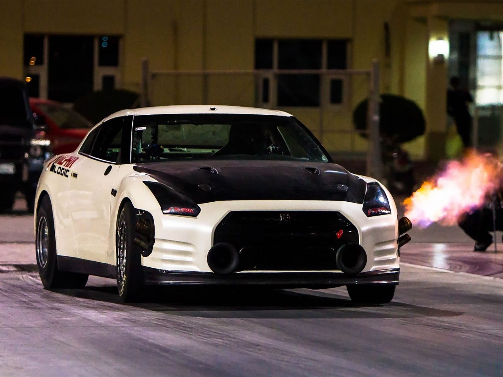 Watch The World's Fastest Nissan-GTR Sets A New Quarter-Mile