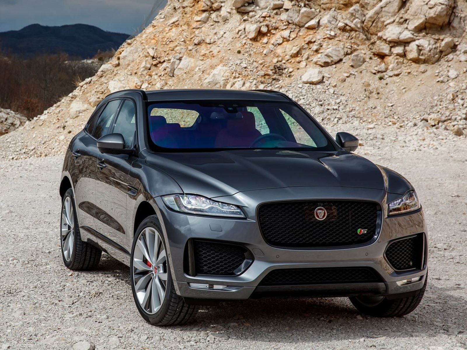 Jaguar J-Pace Will Come In 2021 To Fight The Porsche Cayenne | CarBuzz