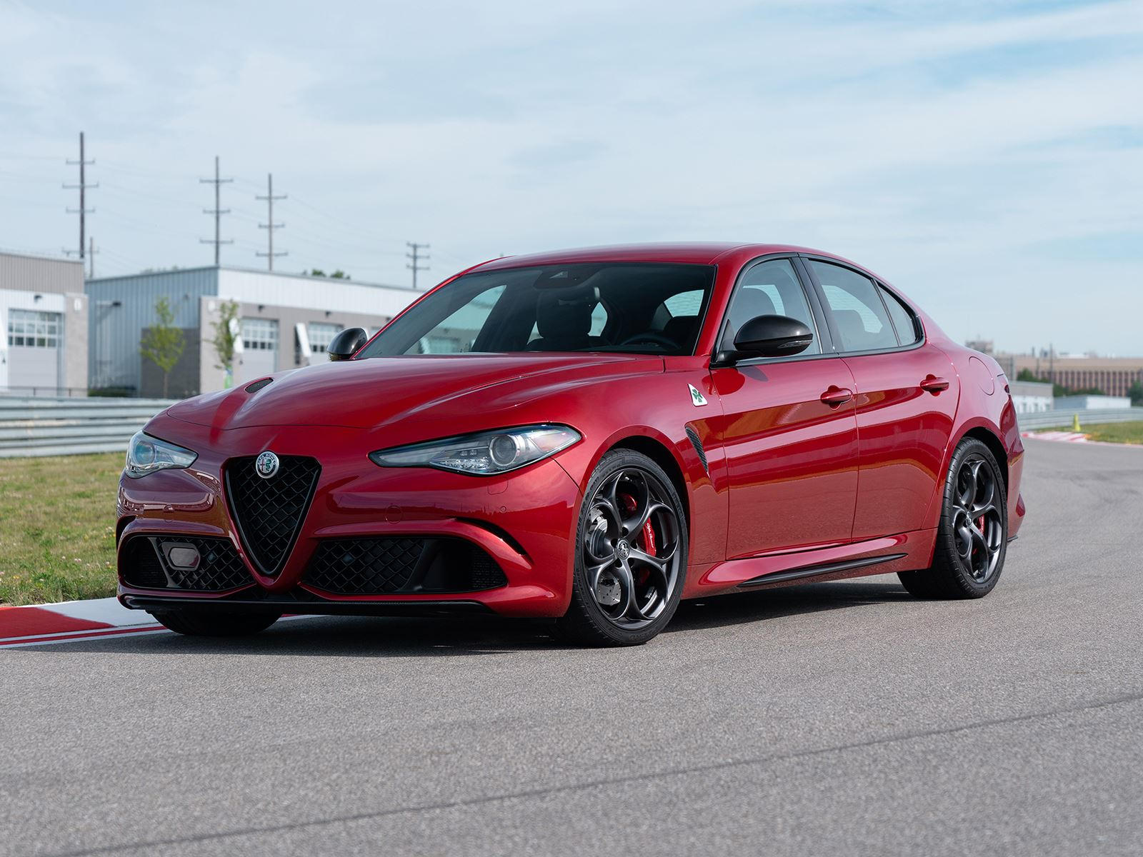 2019 Alfa Romeo Giulia Arrives With New Sporty Styling Packages Carbuzz