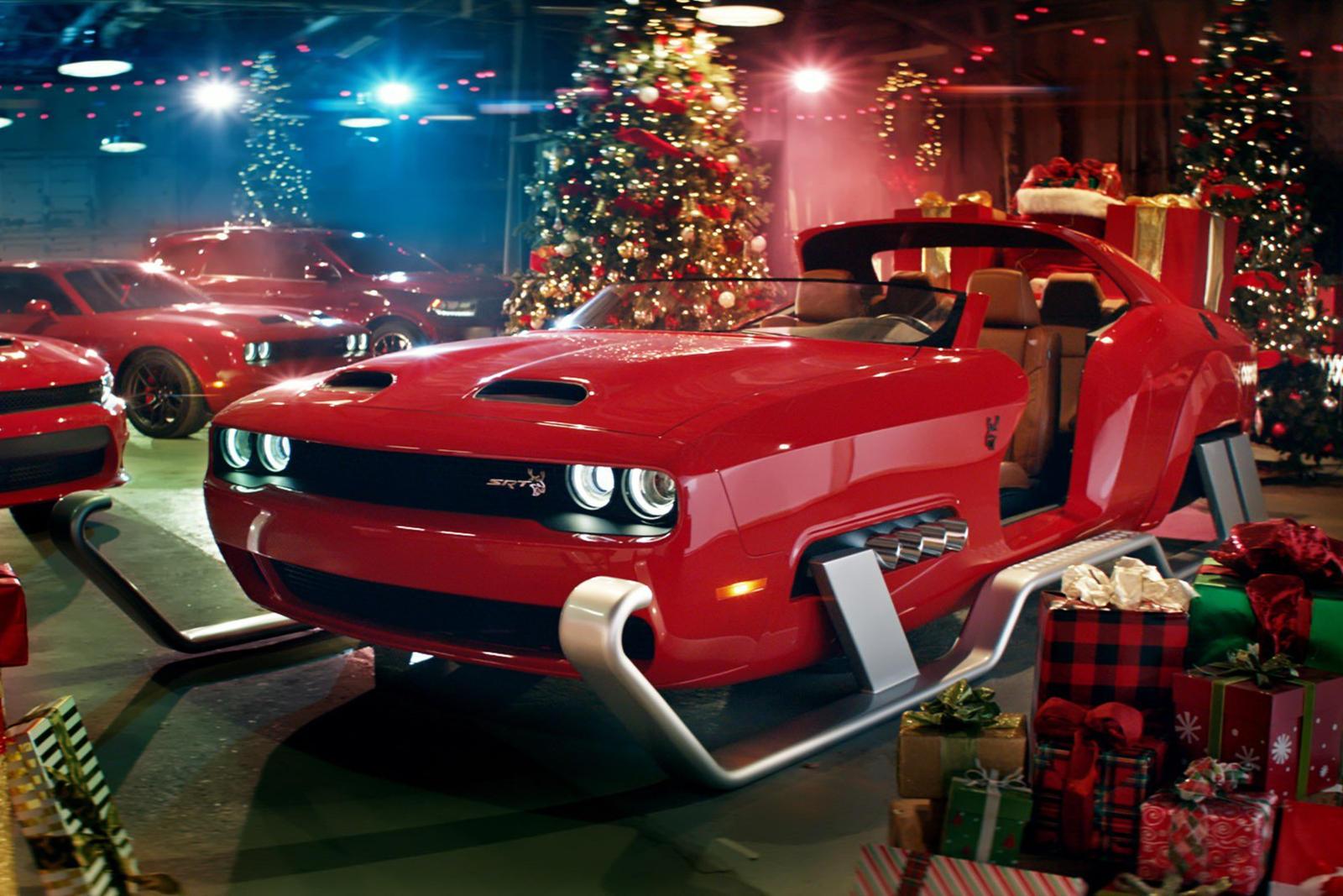 Santa S New Sleigh Is A Custom Dodge Challenger Srt Hellcat Redeye Carbuzz