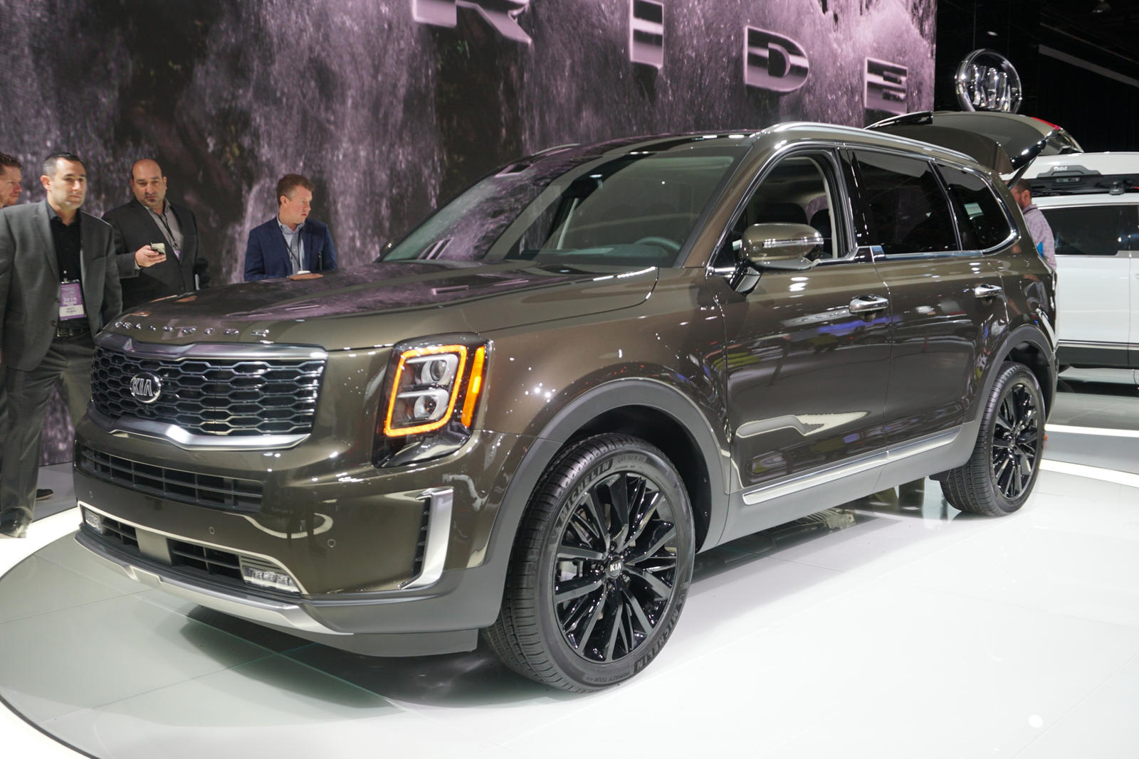 Big And Bold 2020 Kia Telluride Has Arrived | CarBuzz
