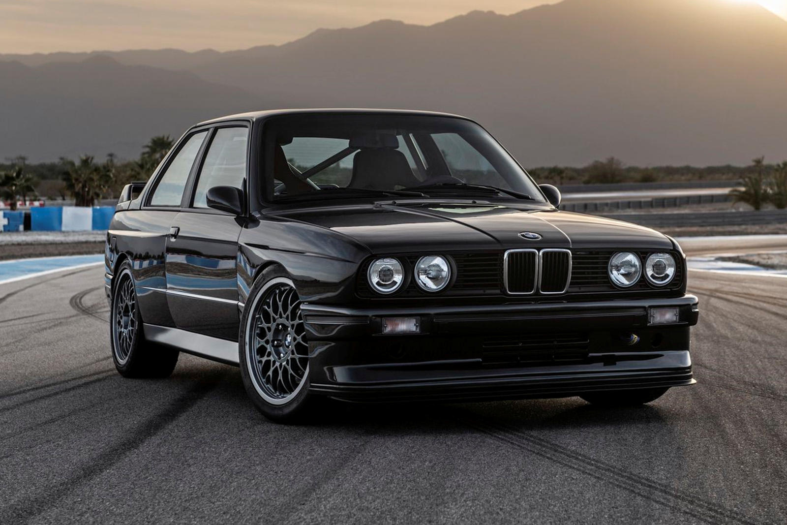 This Is The Most Beautiful Bmw M3 E30 Restomod We Ve Ever Seen Carbuzz