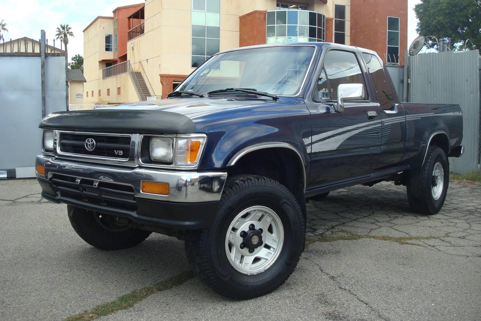 Weekly Craigslist Hidden Treasure 1994 Toyota Pickup Truck Carbuzz