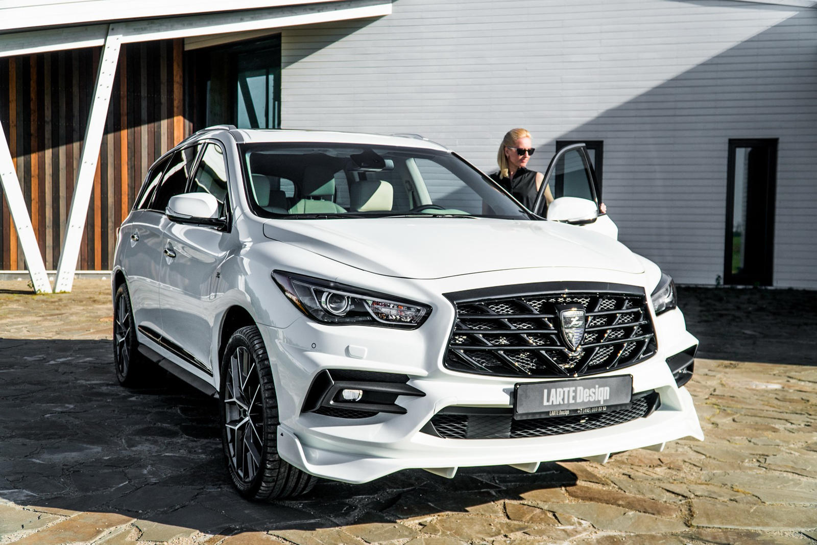 2020 Infiniti Qx60 Tries On An Aggressive Body Kit Carbuzz