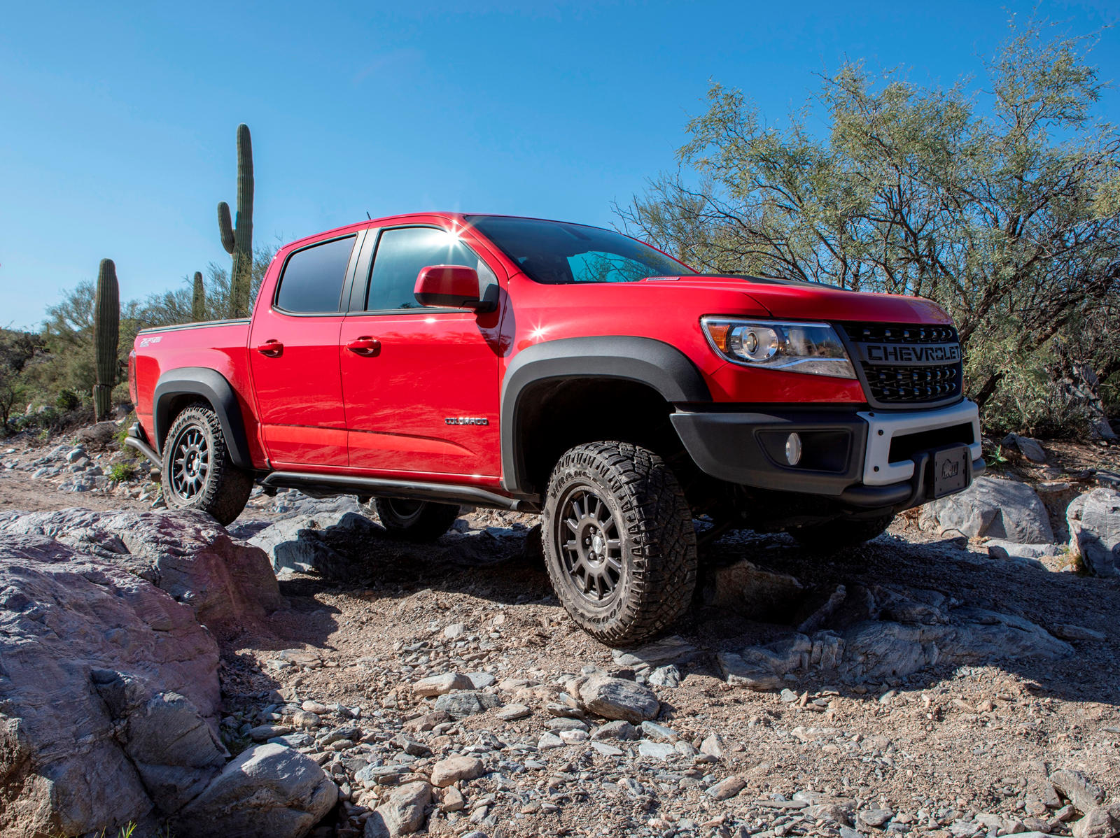 2020 Chevrolet Colorado Faces Most Serious Competition ...
