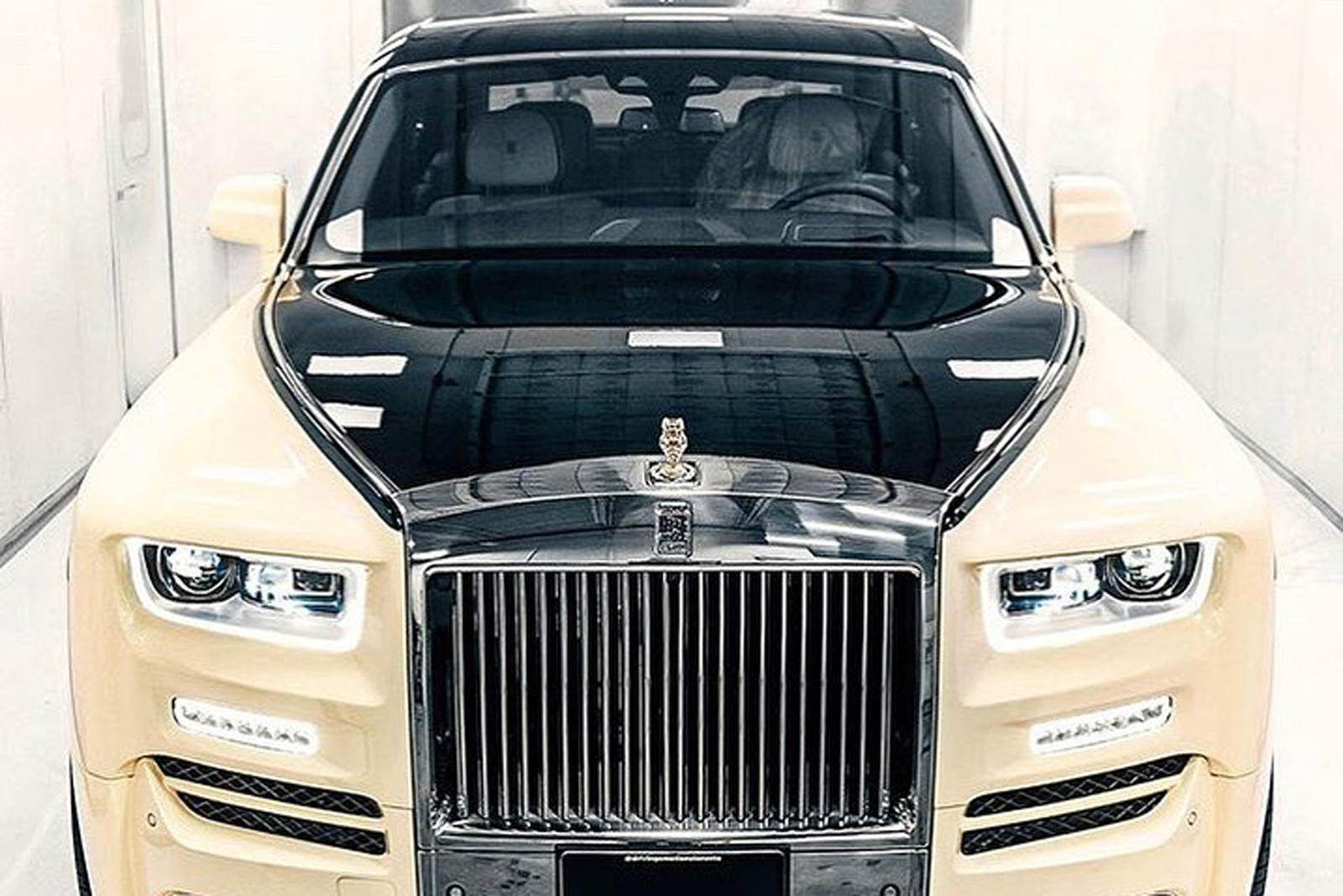Check Out Drake S New Custom Rolls Royce Phantom Carbuzz