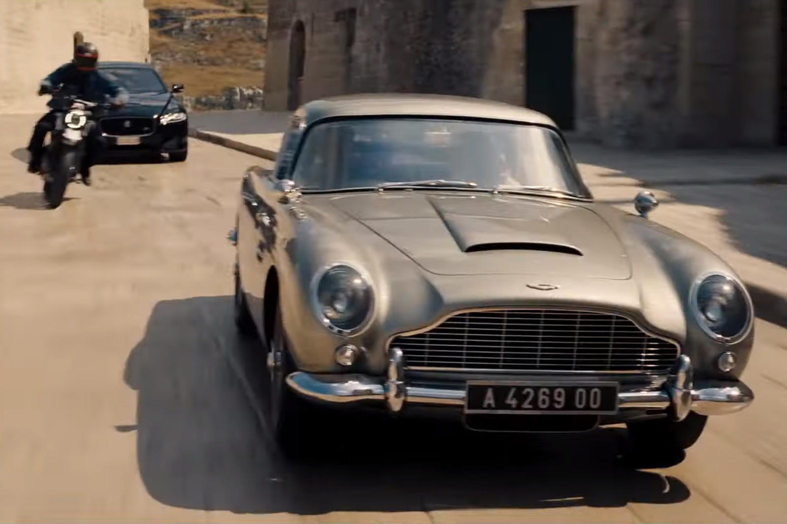 Aston Martin Db5 Takes A Beating In James Bond No Time To Die Trailer Carbuzz