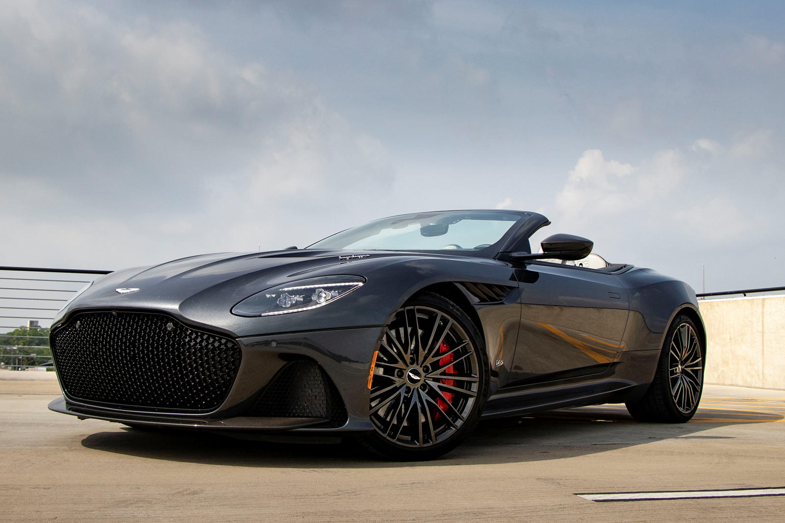 10 Must See Features Of The Aston Martin Dbs Superleggera Volante Carbuzz
