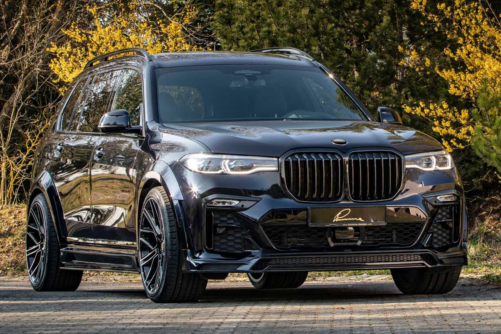 Bmw X7 Widebody Is One Mean Looking Suv Carbuzz