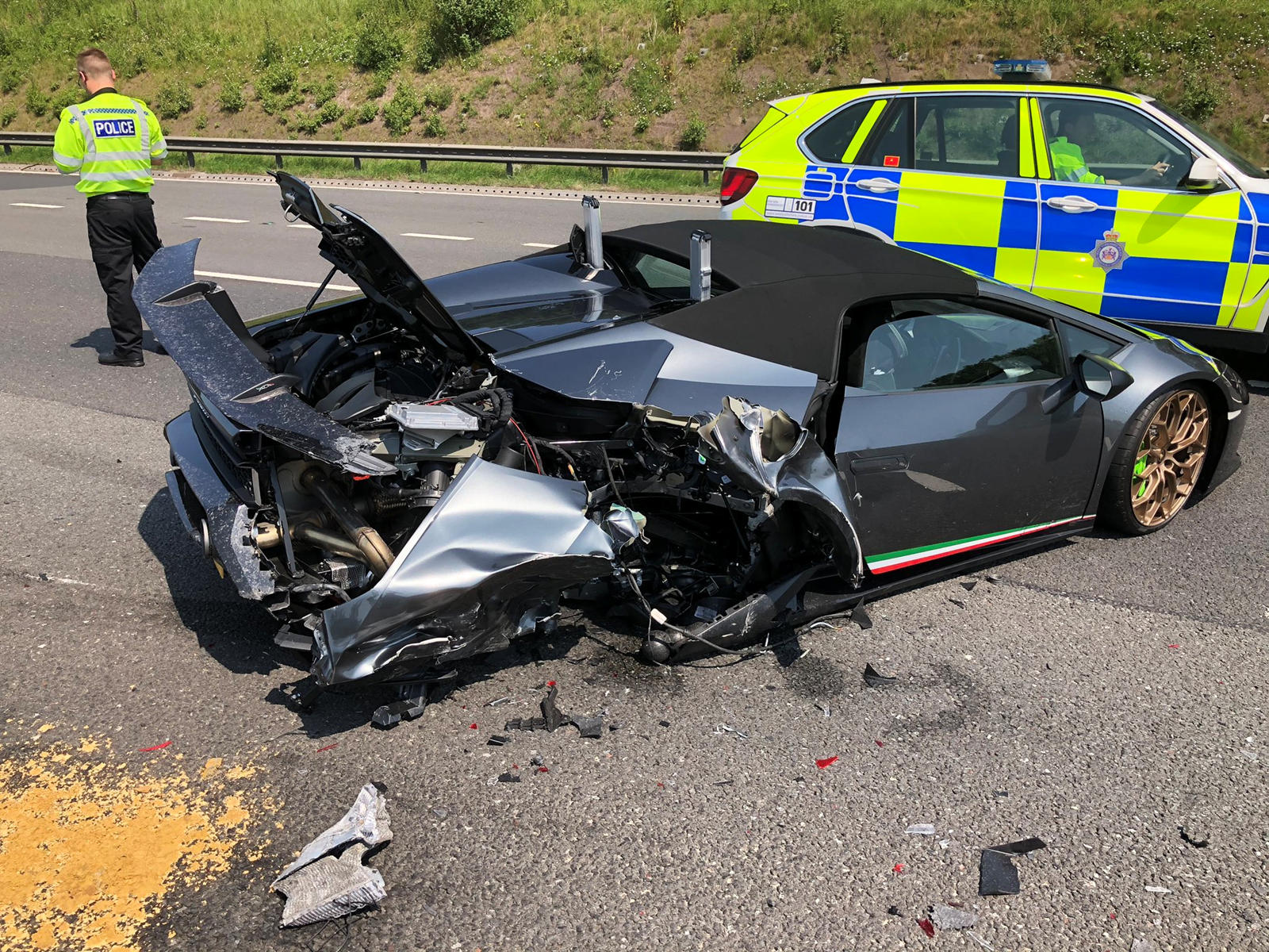 Lamborghini Huracan Performante Spyder Destroyed After 20 Minutes Carbuzz