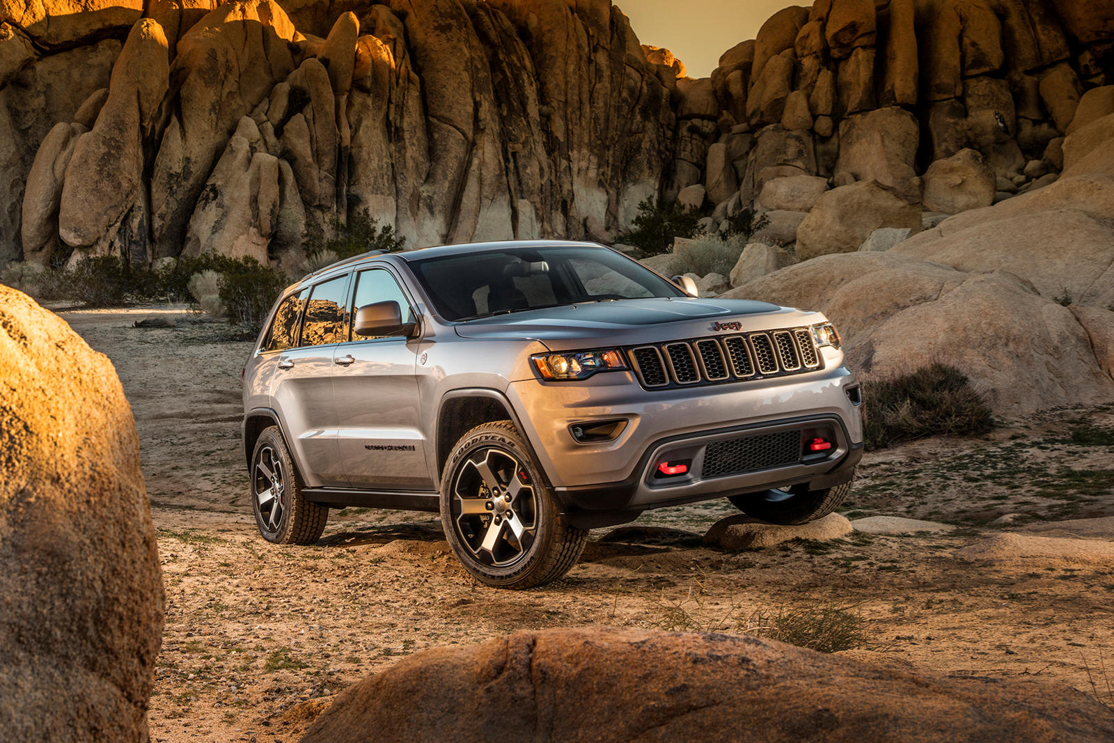 2021 Jeep Grand Cherokee Says Goodbye With 80th Anniversary Edition |  CarBuzz