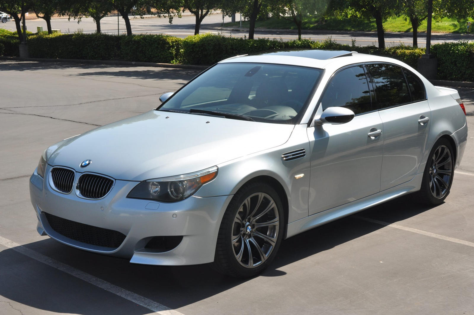Buy This V10 Powered Bmw M5 Before Someone Else Does Carbuzz