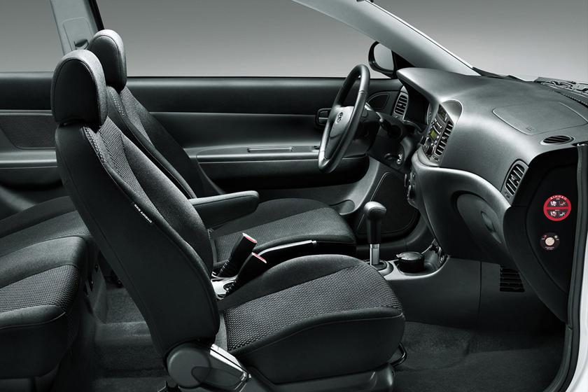2011 Hyundai Accent Interior Photos Carbuzz