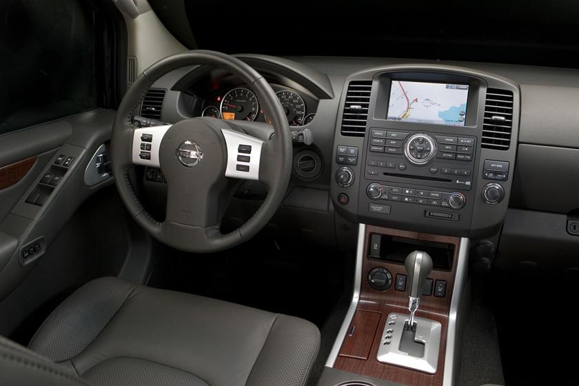 View Nissan Pathfinder Interior
