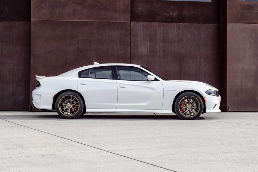 2017 Dodge Charger Srt Hellcat Review Trims Specs And Price Carbuzz