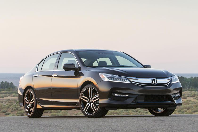 2017 Honda Accord Sedan Review, Trims, Specs and Price | CarBuzz