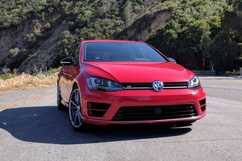 2017 Volkswagen Golf R Review, Trims, Specs and Price | CarBuzz
