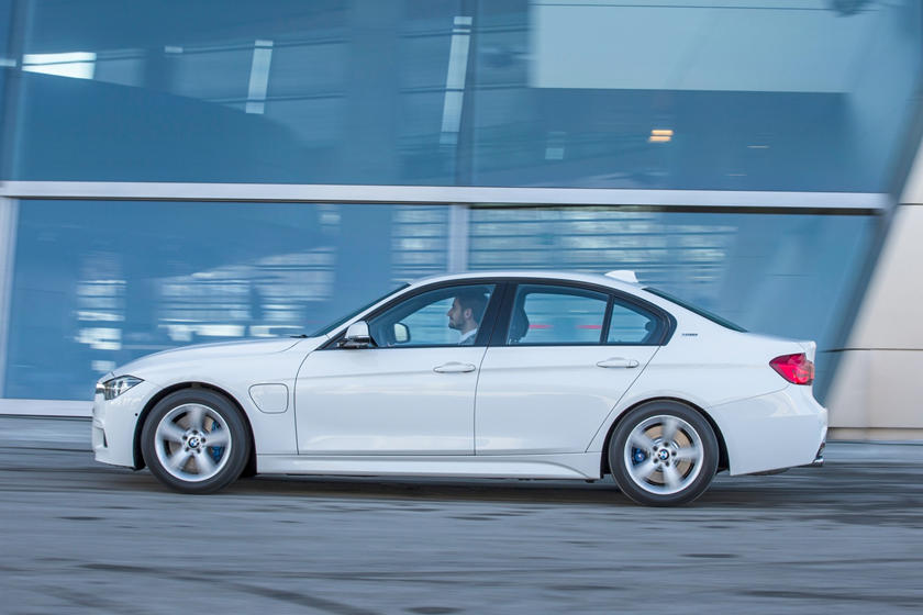 2018 BMW 3 Series Hybrid Review, Trims, Specs and Price