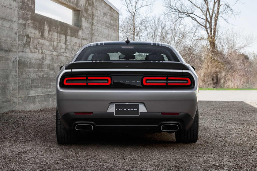2018 Dodge Challenger R / T Widok z tyłu