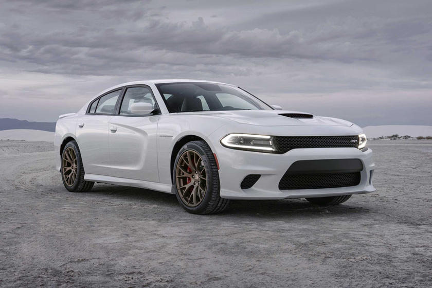2018 Hellcat Charger >> 2018 Dodge Charger Srt Hellcat Review Trims Specs And Price Carbuzz