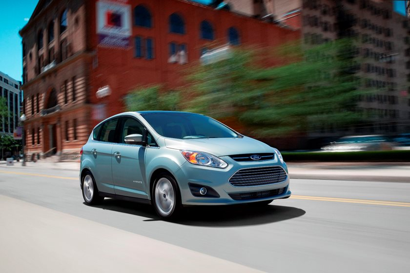 Ford C Max Cargo Space >> 2018 Ford C Max Hybrid Review Trims Specs And Price Carbuzz