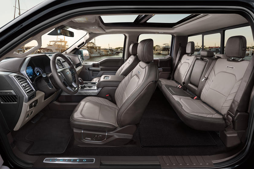 2018 Ford F150 Interior >> 2018 Ford F 150 Interior Photos Carbuzz
